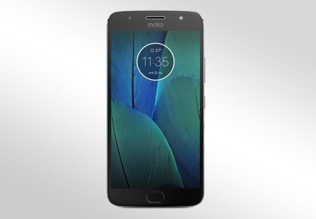 Motorola Moto E5 Plus - Front