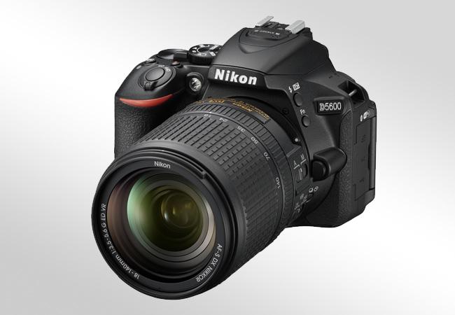 Nikon D5600 - Front