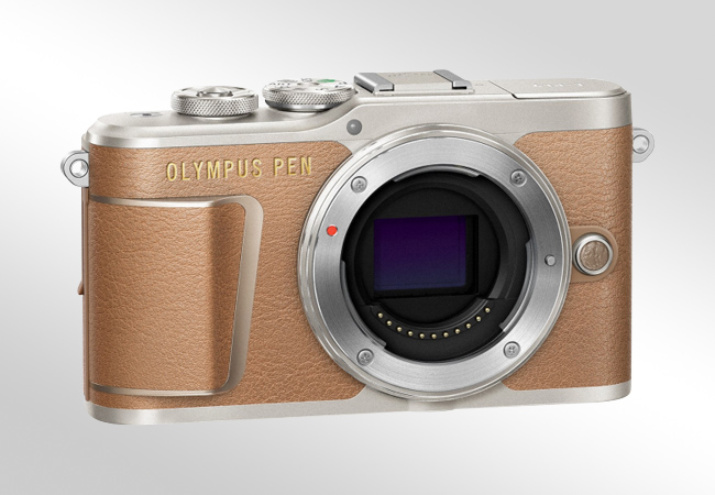 Olympus E-PL9 - Front